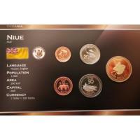 Niujė 2010 metų monetų rinkinys lankstinuke
